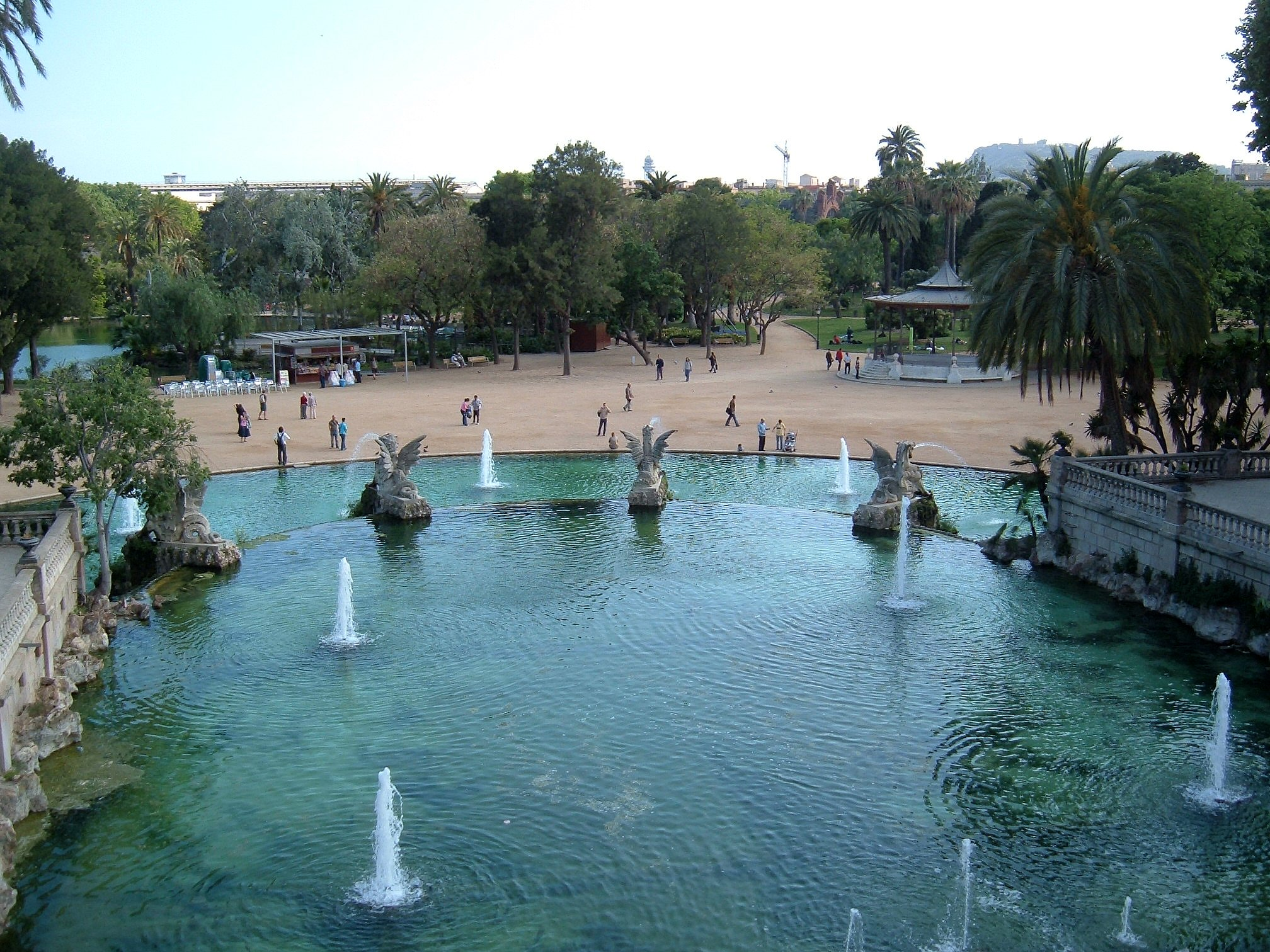 b002-barcelona-spain-parc-de-la-ciutadella-cascada